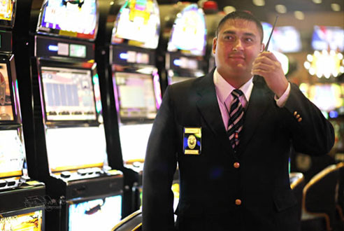Serveillance-officer in Casino